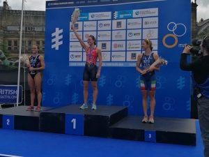 wts-leeds-2017-podio-alice-betto-bronzo-terza-premiazione-triathlon-italia primo podio italiano in world triathlon series