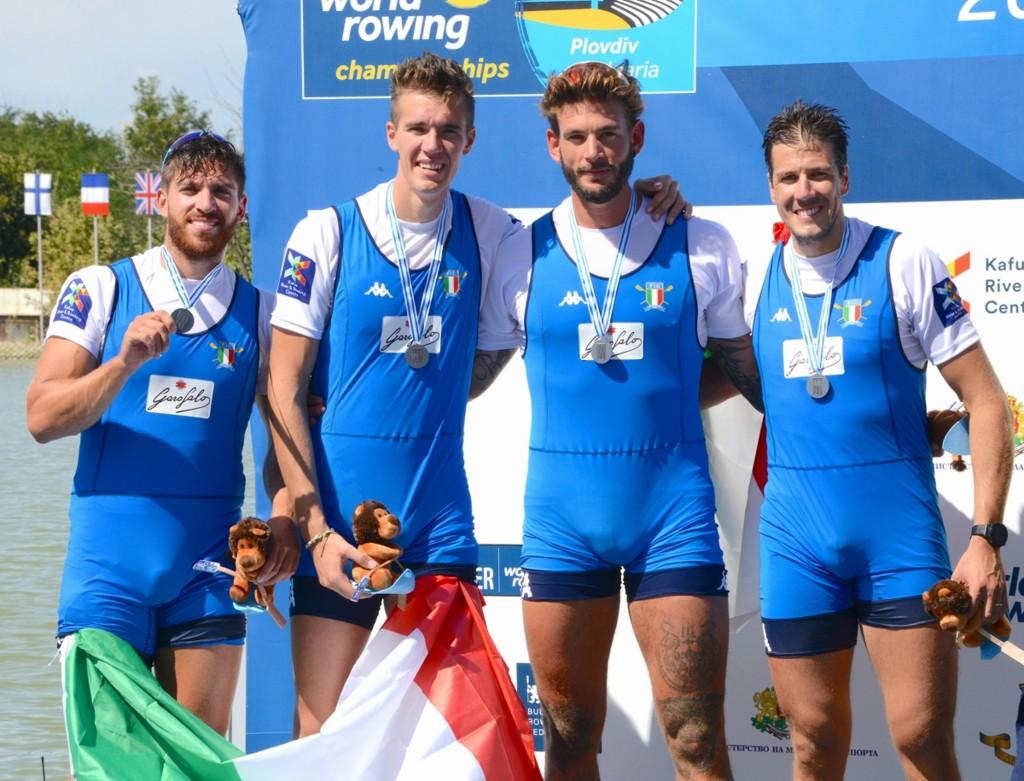 Il 4 di coppia azzurro (photo credit: canottaggio.org)