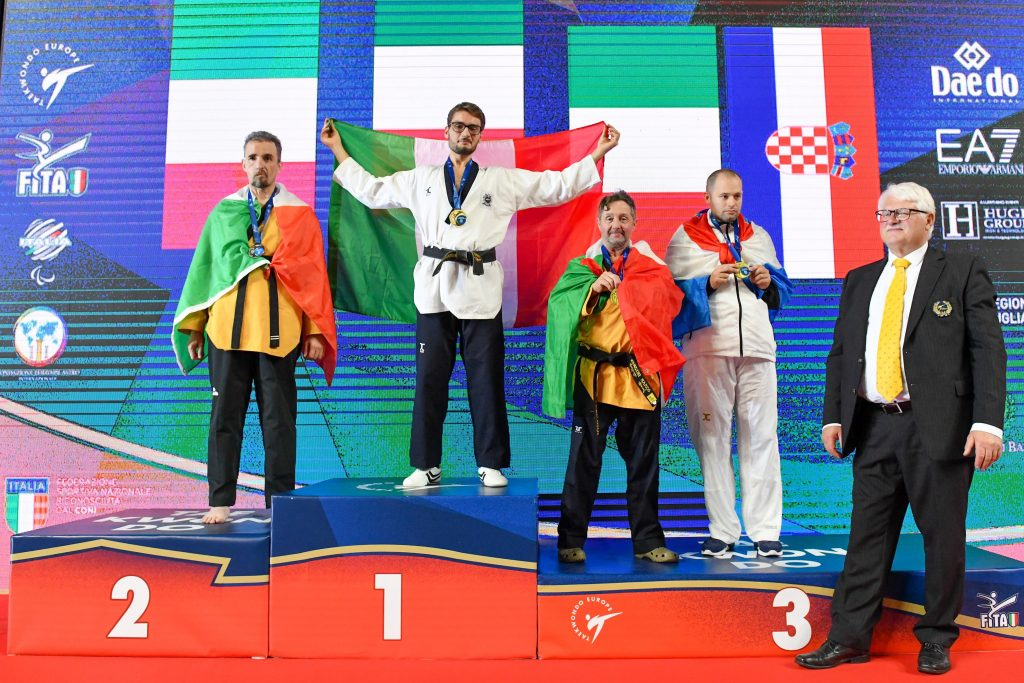 parataekwondo europei 2019 riccardo zimmermann oro cristiano sgarella argento marco manzini bronzo italia italy taekwondo paralimpico palaflorio bari paralympics golden silver bronze categoria P30 taekwondo european championships campionati europei 2019