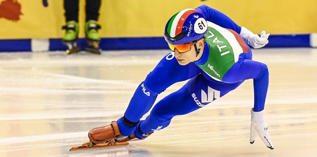 Pietro Sighel in azione agli Europei 2021 di short track
